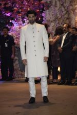 Aditya Roy Kapoor at Akash Ambani & Shloka Mehta engagement at Antilia in mumbai on 30th June 2018 (1)_5b38e404dca48.JPG
