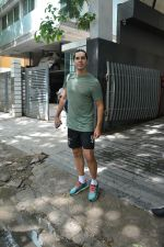 Dino Morea spotted at bandra on 30th June 2018 (3)_5b38d7b2970d7.JPG