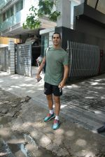 Dino Morea spotted at bandra on 30th June 2018 (4)_5b38d7b528e3a.JPG