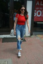 Aditi Rao Hydari spotted at Bastian in Bandra on 1st July 2018 (1)_5b39c53970cd9.JPG