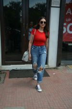 Aditi Rao Hydari spotted at Bastian in Bandra on 1st July 2018 (10)_5b39c54ef28ad.JPG