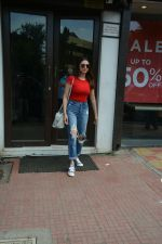 Aditi Rao Hydari spotted at Bastian in Bandra on 1st July 2018 (4)_5b39c5405e49b.JPG