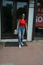 Aditi Rao Hydari spotted at Bastian in Bandra on 1st July 2018 (5)_5b39c5427babf.JPG