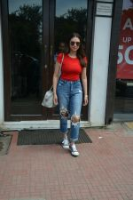 Aditi Rao Hydari spotted at Bastian in Bandra on 1st July 2018 (8)_5b39c54ad36cc.JPG