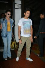 Urvashi Rautela, Riteish Deshmukh spotted at Bastian restaurant in bandra on 3rd July 2018 (14)_5b3c701dd78b6.JPG