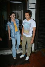 Urvashi Rautela, Riteish Deshmukh spotted at Bastian restaurant in bandra on 3rd July 2018 (8)_5b3c701639cea.JPG