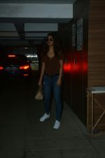 Esha Gupta Spotted at Bandra on 5th July 2018 (6)_5b3f066e55386.JPG