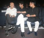 Anupam Kher, Parsoon Joshi, Kailash Kher at Kailash Kher Birthday Celebration in St Andrews Auditorium, Bandra on 8th July 2018 (27)_5b4309e4de044.JPG
