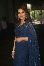 Madhuri Dixit on the sets of colors Dance Deewane in filmcity on 10th July 2018 (13)_5b45a4daba41d.JPG