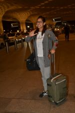 Kubra Sait spotted at airport on 11th July 2018 (54)_5b46deb06371e.JPG