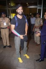 Vicky Kaushal Spotted at Airport on 11th July 2018 (10)_5b46df440d757.JPG