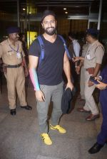 Vicky Kaushal Spotted at Airport on 11th July 2018 (13)_5b46df48f3e21.JPG