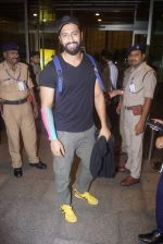 Vicky Kaushal Spotted at Airport on 11th July 2018 (15)_5b46df4c56f19.JPG
