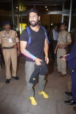 Vicky Kaushal Spotted at Airport on 11th July 2018 (7)_5b46df3ecb081.JPG