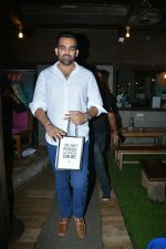 Zaheer khan spotted at bandra on 11th July 2018 (8)_5b46d4c30ac5a.JPG