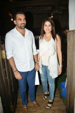 Zaheer khan, sagarika Ghatge spotted at bandra on 11th July 2018 (1)_5b46d4d201267.JPG