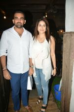 Zaheer khan, sagarika Ghatge spotted at bandra on 11th July 2018 (14)_5b46d4d406628.JPG