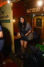 Shruti Haasan spotted at Farmer_s Cafe in bandra on 15th July 2018 (2)_5b4c0cfa13213.jpeg