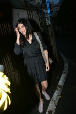Shruti Haasan spotted at Purple Haze recording studio in bandra on 18th July 2018 (3)_5b5035e7badc3.JPG