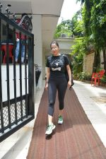 Sophie Choudry spotted at bandra on 18th July 2018 (16)_5b503615b10dc.JPG