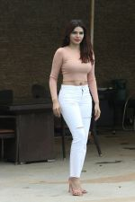 Sherlyn Chopra spotted at Sun n Sand juhu on 22nd July 2018 (2)_5b558983cfff8.JPG