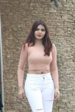 Sherlyn Chopra spotted at Sun n Sand juhu on 22nd July 2018 (6)_5b55898ad184f.JPG