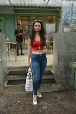 Soundarya Sharma spotted at Kitchen Garden in bandra on 22nd July 2018 (5)_5b557b8e73e5d.JPG