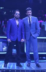 Anil Kapoor, Mika Singh on the sets of Star Plus_s Dil Hai Hindustani 2 at filmcity on 23rd July 2018 (17)_5b56d242a16c8.jpg