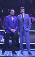 Anil Kapoor, Mika Singh on the sets of Star Plus_s Dil Hai Hindustani 2 at filmcity on 23rd July 2018 (20)_5b56d24f0749f.jpg