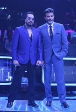 Anil Kapoor, Mika Singh on the sets of Star Plus_s Dil Hai Hindustani 2 at filmcity on 23rd July 2018 (24)_5b56d24b31de0.jpg