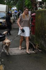 Dina Umarova spotted at juhu on 23rd July 2018 (19)_5b56cef3eb8fc.JPG