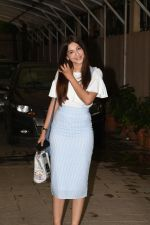 Gauhar Khan spotted at juhu on 23rd July 2018 (16)_5b56cf01b5376.JPG