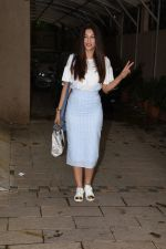 Gauhar Khan spotted at juhu on 23rd July 2018 (19)_5b56cf0672169.JPG