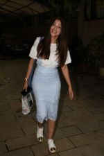 Gauhar Khan spotted at juhu on 23rd July 2018 (20)_5b56cf07c5f09.JPG