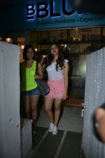 Yami Gautam with sister Sureli Gautam spotted at Bblunt bandra on 22nd July 2018 (2)_5b56bf5f2f5b8.JPG