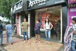 Arbaaz Khan with girlfriend & son at Bastian in bandra on 24th July 2018 (2)_5b58185fcf29d.JPG