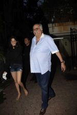 Janhvi Kapoor, Boney Kapoor spotted at Arjun Kapoor_s house in juhu on 25th July 2018 (2)_5b5970265dde9.jpg