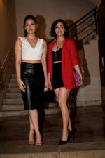 Yami Gautam, Surilie Gautam at Karwaan Pre Release Party on 26th July 2018 (26)_5b5abfad4f7fc.JPG