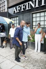 Sonam Kapoor & Anand Ahuja At The Opening Of Anand Ahuja New Store In Bandra on 27th July 2018 (1)_5b5c20e1947f4.JPG
