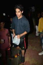 Ishaan Khattar Spotted At Farmers Cafe In Bandra on 29th July 2018 (1)_5b5ead170ab6d.jpg