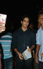 Ishaan Khattar Spotted At Farmers Cafe In Bandra on 29th July 2018 (3)_5b5ead1c9325e.jpg