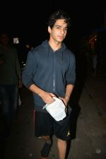 Ishaan Khattar Spotted At Farmers Cafe In Bandra on 29th July 2018 (4)_5b5ead1db8ff8.jpg