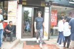 Kunal Kapoor & Wife Spotted At Bastian Bandra on 30th July 2018 (4)_5b605cfb01774.JPG