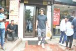 Kunal Kapoor & Wife Spotted At Bastian Bandra on 30th July 2018 (5)_5b605cffc875a.JPG