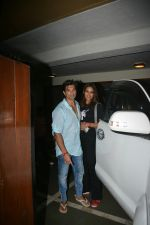 Bipasha Basu & Karan Singh Grover Spotted at Bandra on 30th July 2018 (3)_5b605d60ab66c.JPG