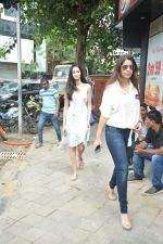 Chunky Pandey, Ananya Pandey Spotted At Bastian In Bandra on 30th July 2018 (8)_5b607917956e1.JPG