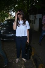 Daisy Shah Spotted At Bandra on 30th July 2018 (2)_5b6064b268317.JPG