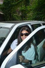 Daisy Shah Spotted At Bandra on 30th July 2018 (8)_5b6064dfc67cb.JPG