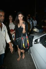 Mouni Roy Spotted At Bandra on 30th July 2018 (12)_5b606f322201f.JPG