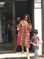 Shilpa Shetty, Raj Kundra & Son Viaan Spotted At Bastian In Bandra on 30th July 2018 (2)_5b606616b720f.JPG